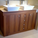 Mueble de baño laminado color madera