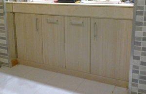 Mueble de baño puertas laminadas color madera