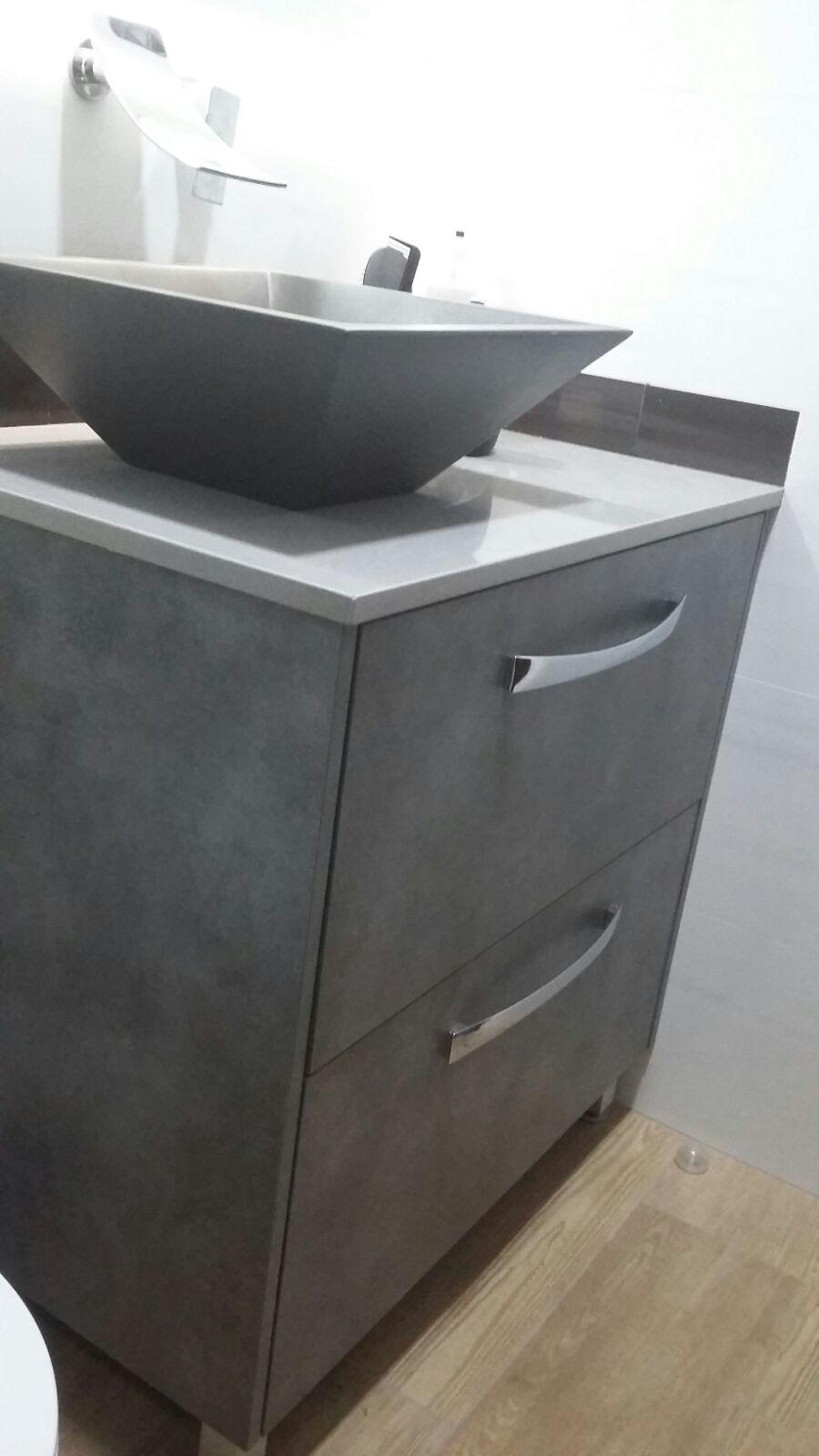 Mueble de baño color cemento